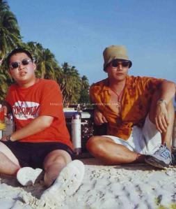 take your pick...The Fat Boys? Ant & Dec? I have no idea how they were able to convince us to pose like this in Boracay but here it is. You may stop laughing now.