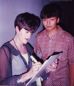 "Tracey Thorn and fanboy with the ""pinch me i must be dreaming""look."